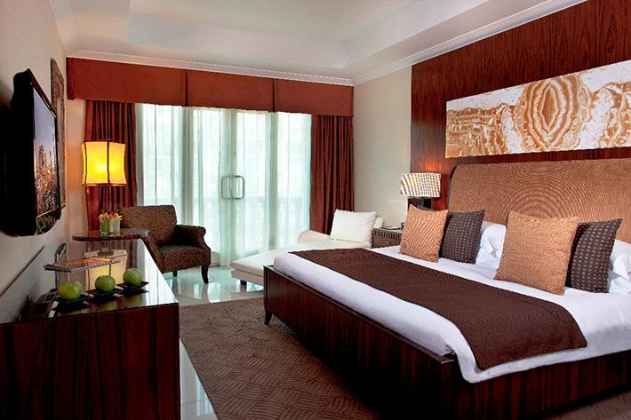 Al murooj rotana dubai innoverto training courses and for Burj al khalifa hotel rooms